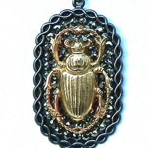 RANSOM RHINESTONE GOLD XL SCARAB NECKLACE SAMPLE